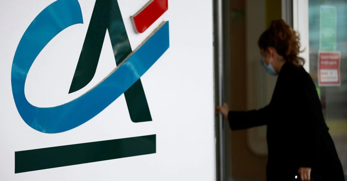 France's Credit Agricole to launch a $680 mln share buyback